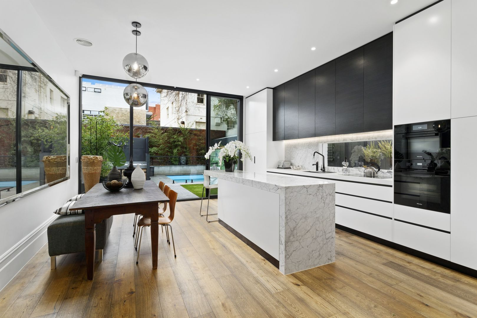 57 Acland St St Kilda - dining and Kitchen