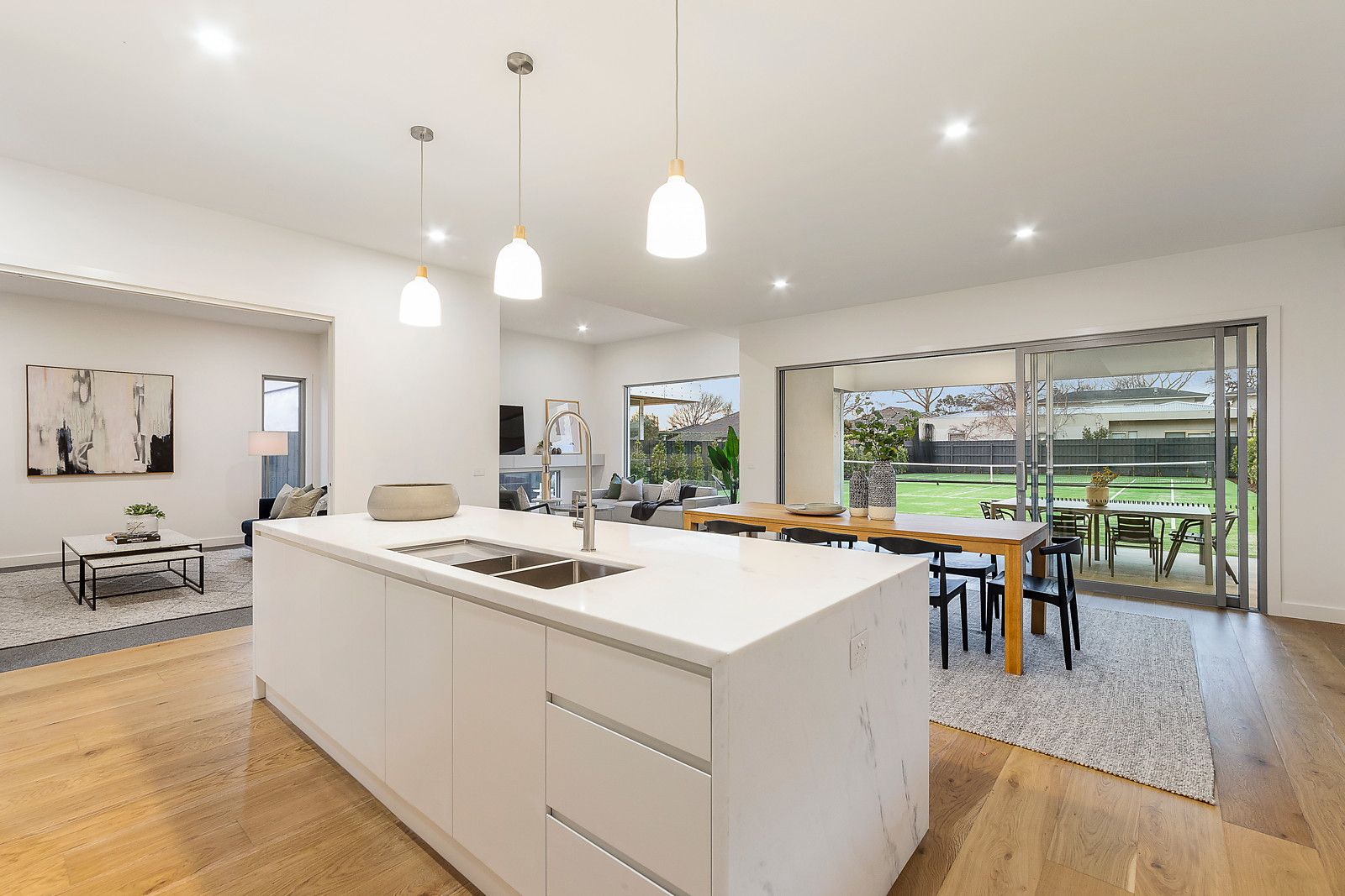 31 Victoria St Sandringham- open plan kitchen