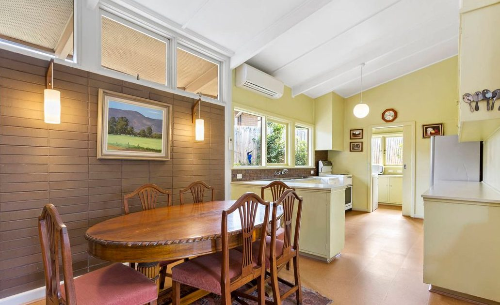 9 Lynette Ave Beaumaris- Dining/ Kitchen