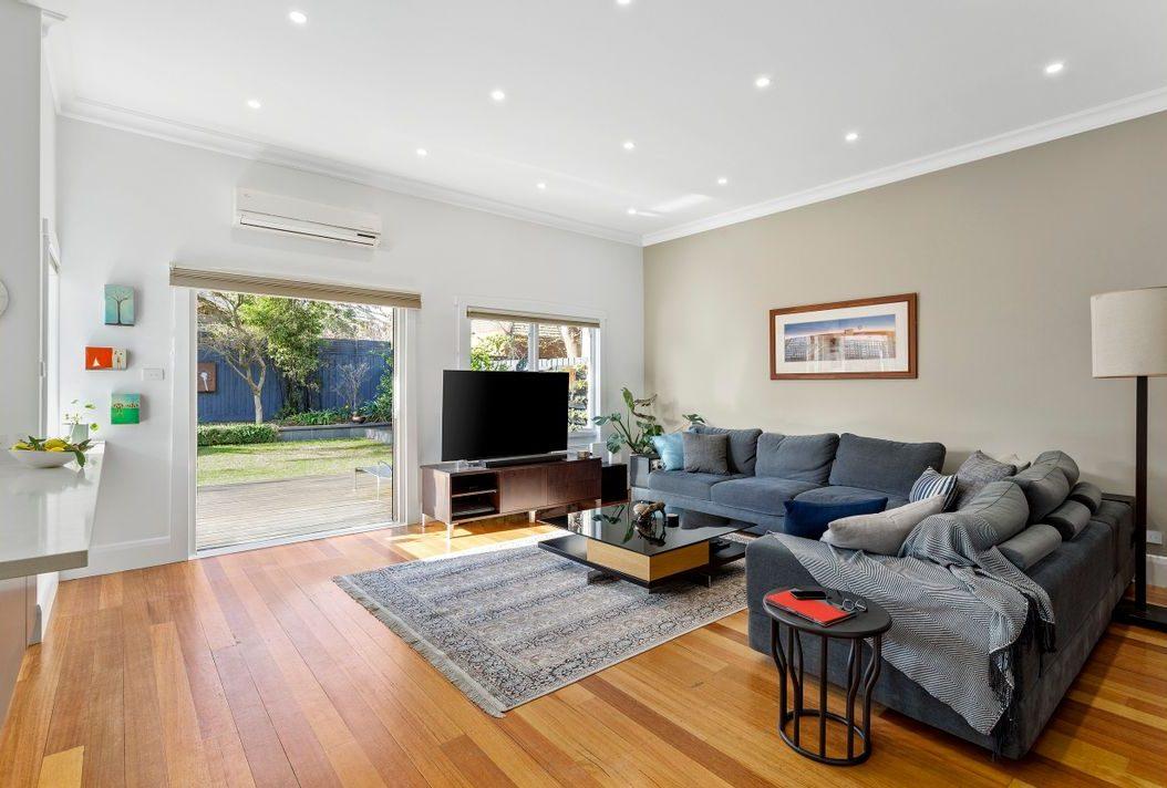 16 Denvor Crescent, Elsternwick - living room
