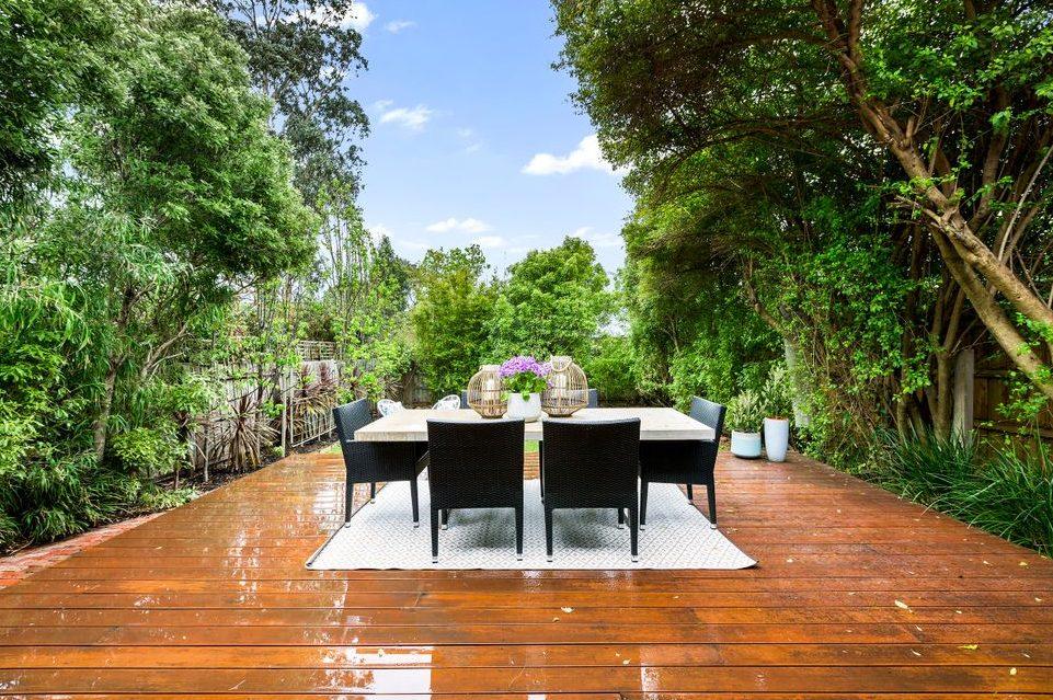 47 Begonia Rd Gardenvale - back deck