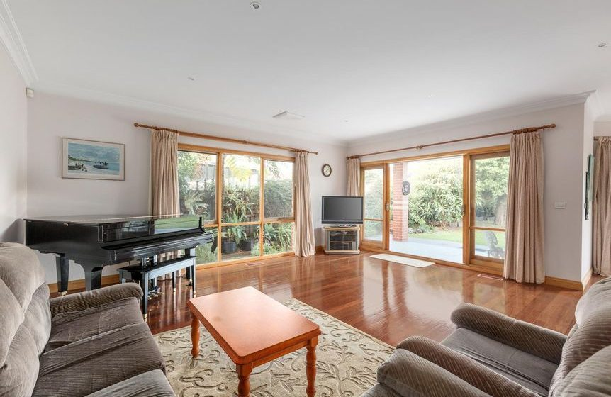 50 Begonia Rd, Gardenvale - Living area