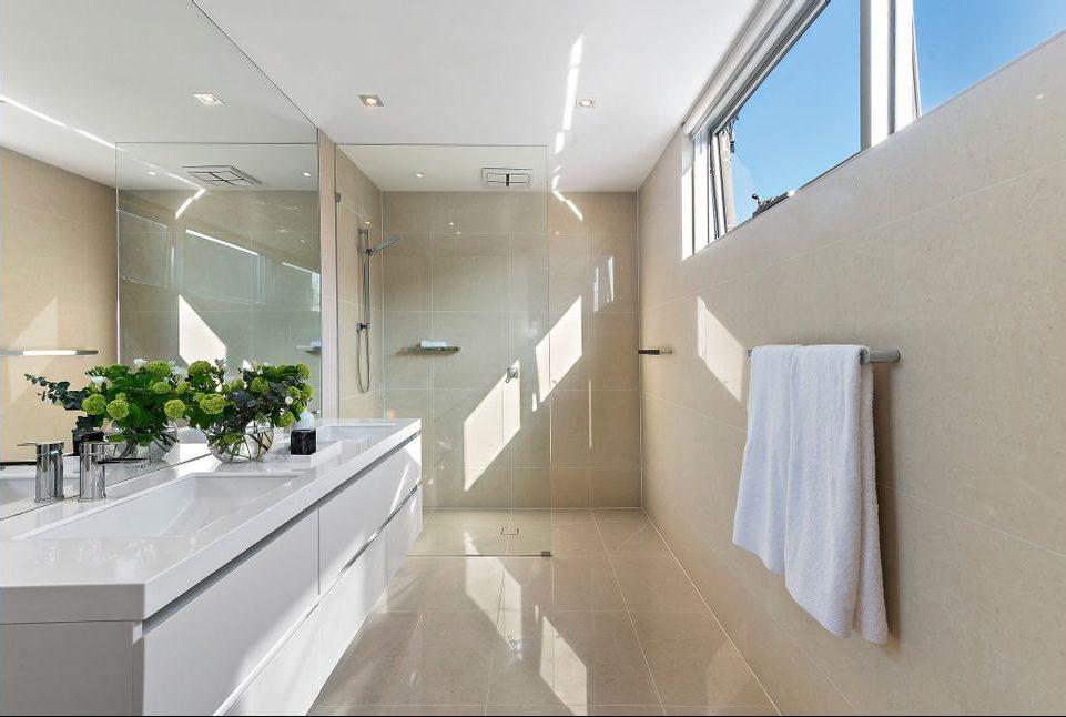 21 McCormack st, PM - bathroom