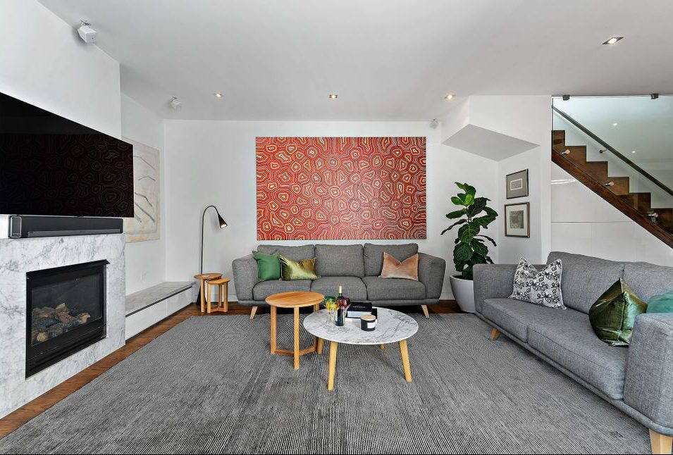 21 McCormack st, PM - living area