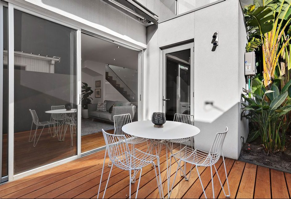 21 McCormack st, PM - Outdoor deck