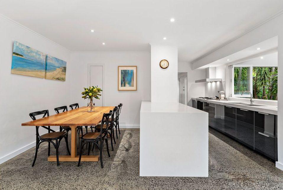 22 Queens Square Sandringham - dining/ Kitchen
