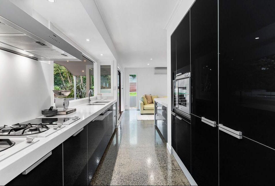 22 Queens Square Sandringham - Kitchen