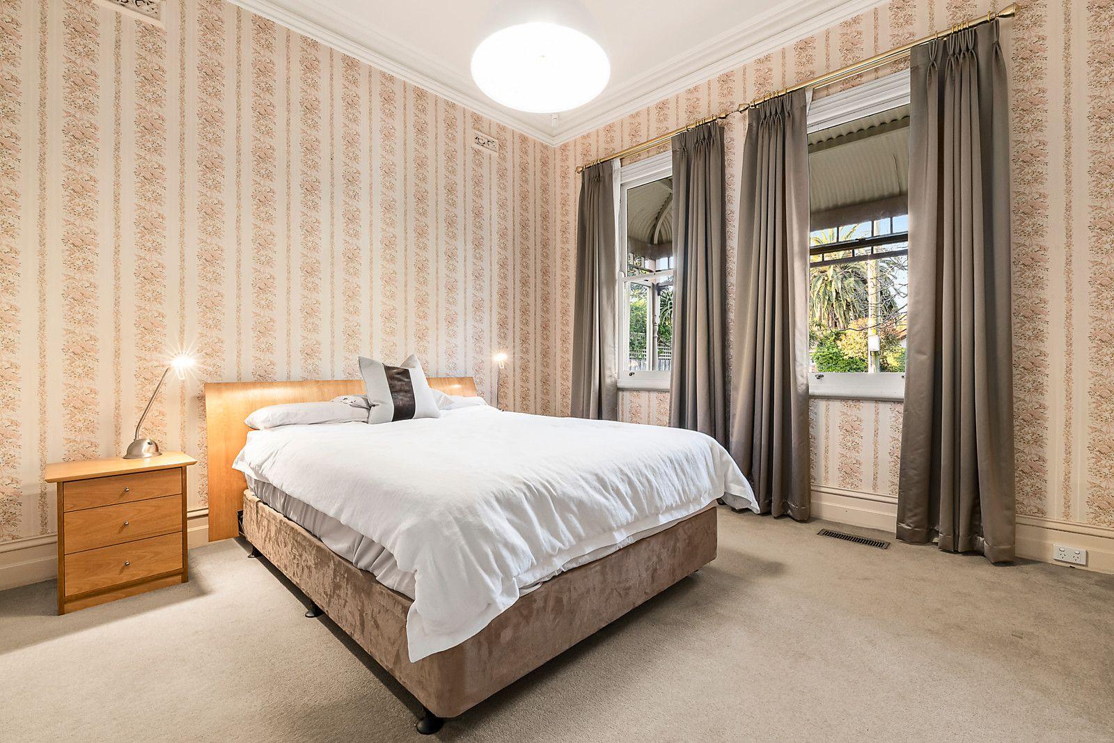 70 Holyrood St Hampton - Bed