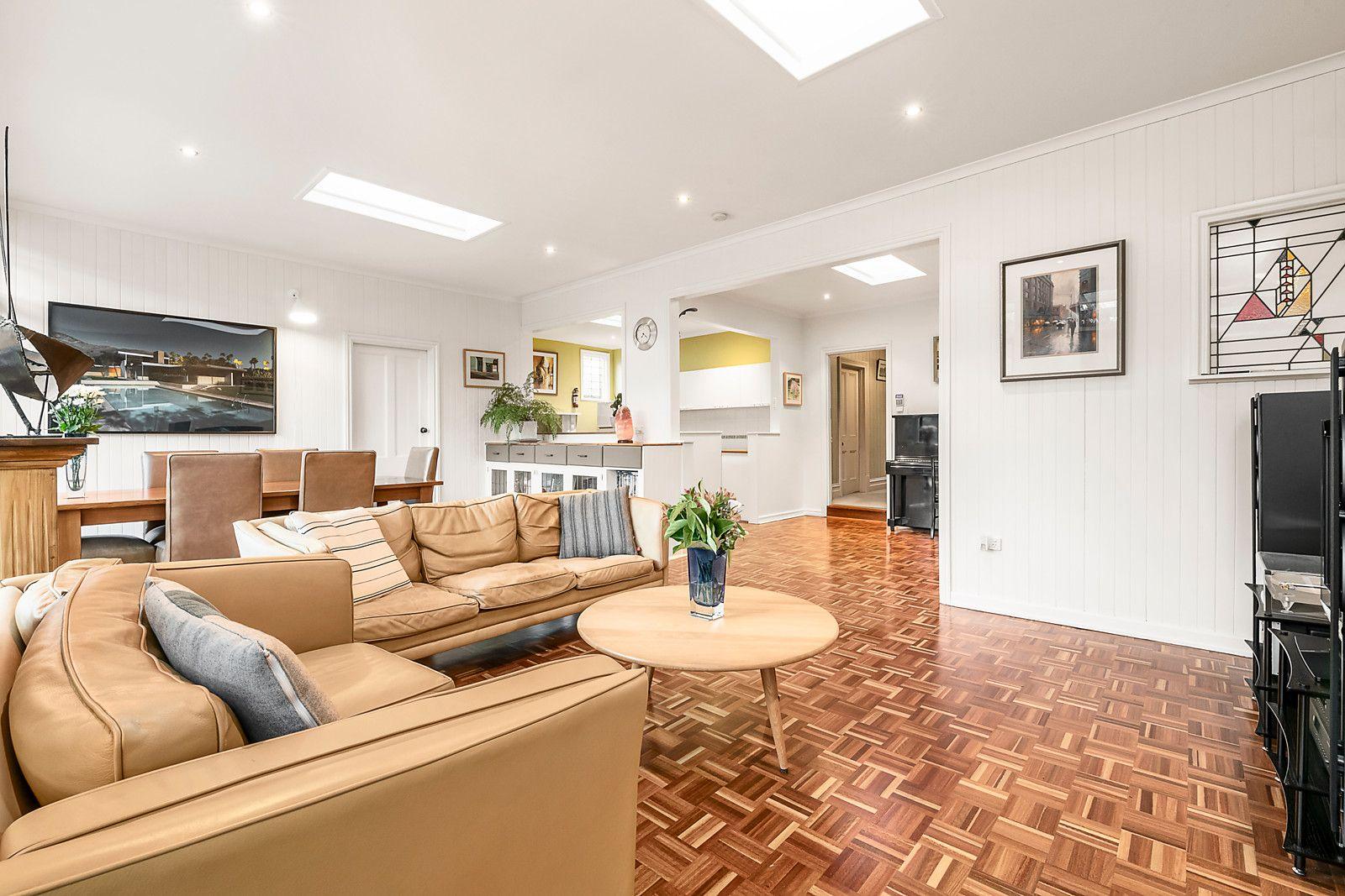 70 Holyrood St Hampton - living area