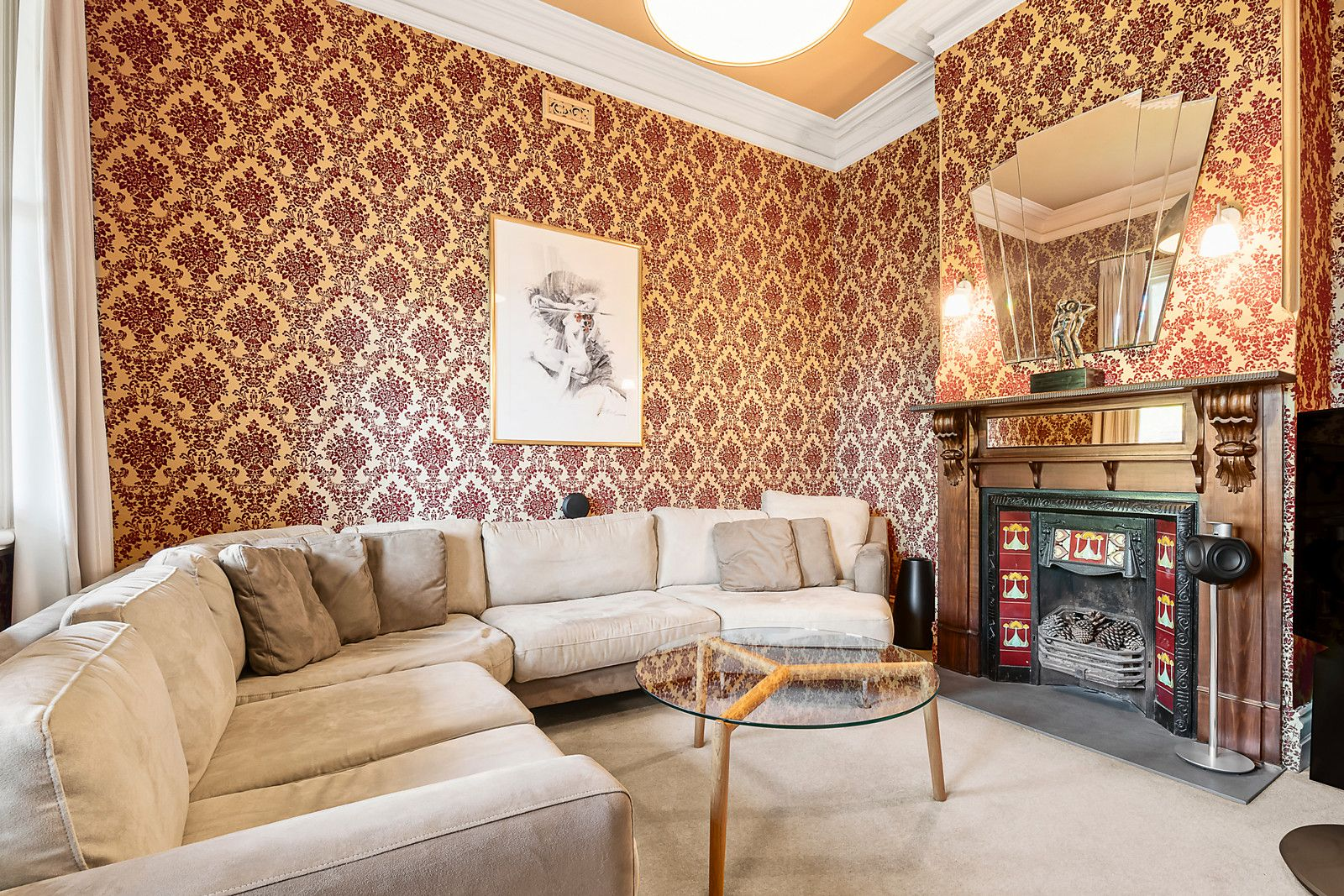 70 Holyrood St Hampton - Living